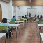 Primera clase teórica en el taller de empleo de Andorra