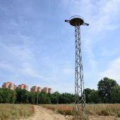 Base para nidos de cigüeñas en la Isla del Colegio de Alcalá de Henares
