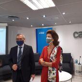 La presidenta de CAEB, Carmen Planas, y el socio de KPMG en Baleares, Francisco Albertí.