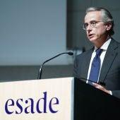 Intervenció de Javier Faus aquest migdia en la reunió econòmica a favor de l'ampliació del Prat. ESADE.