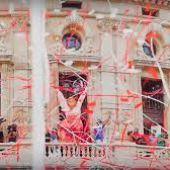 Marijaia en la balconada del Arriaga