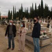 Una guía recoge historias del cementerio de Teruel