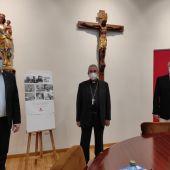 El Obispo de Ciudad Real junto con los responsables de Cáritas