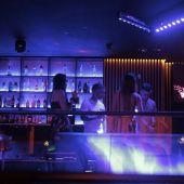 Salud permite la apertura del ocio nocturno pero sin baile y con los clientes sentados