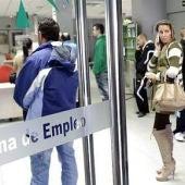 La provincia de Badajoz ha registrado 2.935 parados menos con respecto al mes de abril (un 4,11 por ciento menos)