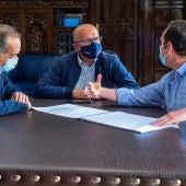 Deputación e Concello do Carballiño estudarán a reforma integral do balneario