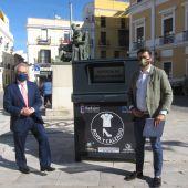 La ciudad de Badajoz cuenta con 10 contenedores repartidos por las barriadas para la recogida de ropa y calzado