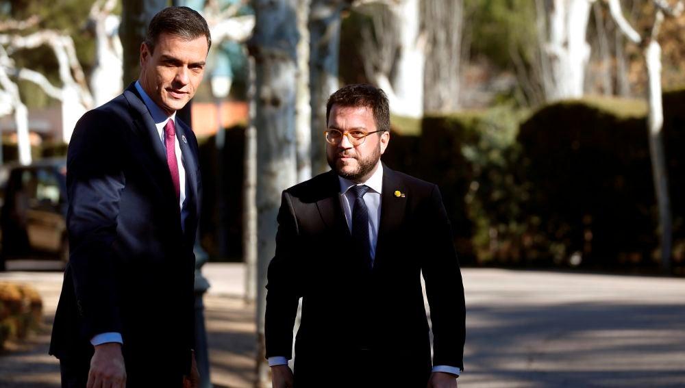 Pedro Sánchez y Pere Aragonés, en Moncloa antes de una reunión de la mesa de diálogo