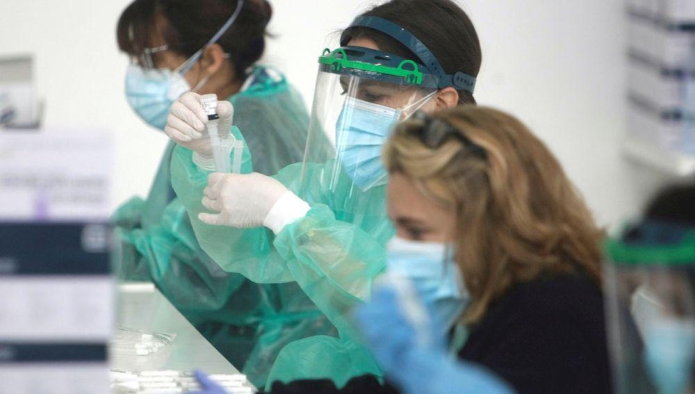 Científicos identifican 90 fármacos eficaces contra el coronavirus