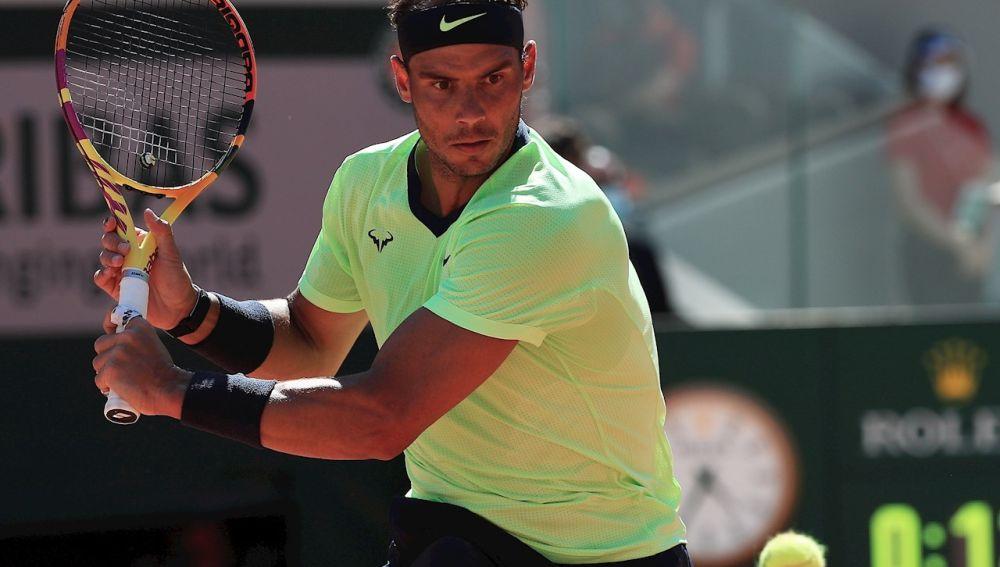 Nadal sigue con paso firme y se mete en semifinales de Roland Garros