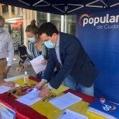 El PP de Ciudad Real recoge firmas contra los indultos a los secesionistas