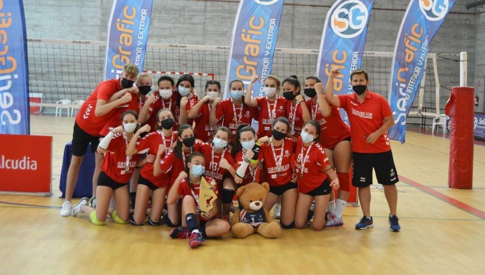 Las chicas del Club Voleibol Elche, campeonas autonómicas de voleibol en categoría infantil femenina.