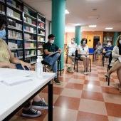Reunión delegada de educación con los centros educativos