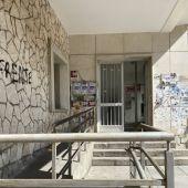 Los sindicatos están en el viejo edificio de la calle Cardenal Gil de Albornoz, en el centro de la ciudad