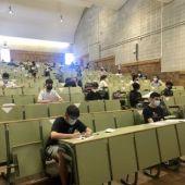 Los alumnos se enfrentan a las pruebas de la EVAU respetando las medidas sanitarias