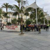 Instantes de la concentración hoy en Cádiz
