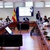 José Manuel Franco, presidente del CSD, encabeza la reunión de la Comisión para aprobar la profesionalización del fútbol femenino.