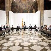 Imatge de la reunió de la taula institucional per abordar  l'ampliació de l'aeroport del Prat.