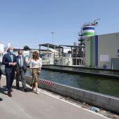 El alcalde, Jorge Azcón, ha firmado el convenio con Urbaser en el lugar donde se levantará la futura biorrefinería