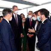 El Rey saluda a Ada Colau y Pere Aragonés