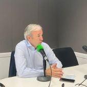 Jorge Azcón en los estudios de Onda Cero Zaragoza