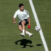 Azpilicueta en un entrenamiento con la Selección