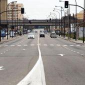 Los vecinos de la Avenida Cataluña reclaman aceras en condiciones, carril bici y una iluminación en condiciones