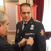 El superintendente de la Policía Local de Badajoz, Rubén Muñoz, ha solicitado por escrito a personal la subida de su salario en 7.721 euros anuales