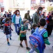 Las mascarillas seguirán siendo obligatorias en el aula para el próximo curso