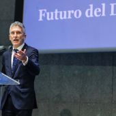 El Ministro en la presentación del nuevo modelo de DNI