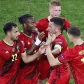 Bélgica y Países Bajos se meten en octavos arrasando