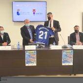 El Ayuntamiento riosellano presenta el I Campus Real Oviedo-Ribadesella