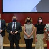 Personas e instituciones distinguidas en los premios 'Defensores de la Salud 2021'.