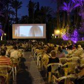 Imagen de archivo de una proyección del Festival de Cine de Elche en el Hort del Xocolater.