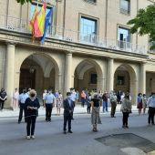 Huesca condena enérgicamente el crimen machista de Barbastro