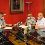 Firma del convenio en tre el Ayuntamiento de Valdepeñas y Fundación Prolibertas