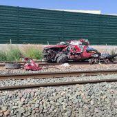 Coche arrollado por el tren en el paso a nivel de Novelda.