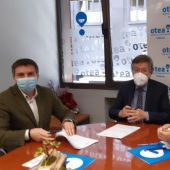 José Almeida, presidente de OTEA, Iñigo fernández, presidente de OTAVA, y Fernando Corral, OTEA