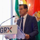 Luis Salvador dimite de su cargo como alcalde del Ayuntamiento de la capital de Granada