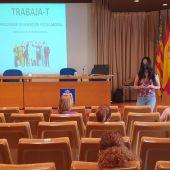 Bienestar Social entrega los diplomas acreditativos del curso del Programa de Inserción Laboral 'TRABAJA-T'