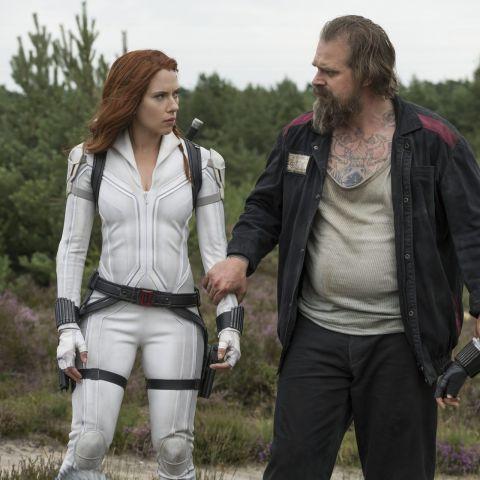 Scarlett Johansson, David Harbour y Florence Pugh, en una escena de 'Viuda negra'