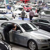 Europa anuncia la fecha del fin de los coches diésel y gasolina