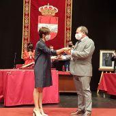 Isabel Rodríguez cede el bastón de mando a Adolfo Muñiz
