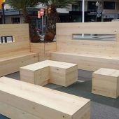 Mobiliario low cost para 'el cascayu' de Gijón