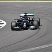 Hamilton logra la pole para la carrera por la pole. Sainz 9º y Alonso 11º