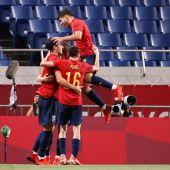 Los jugadores de España celebran el gol ante Argentina
