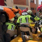 Nuevos trajes para los bomberos del Servicio Especial de Extinción de Incendios de la Diputación