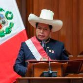 Pedro Castillo se convierte en presidente de Perú y promete expulsar a los delincuentes inmigrantes