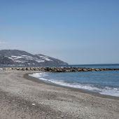 Las playas de Granada son óptimas para el baño: así lo considera la Junta