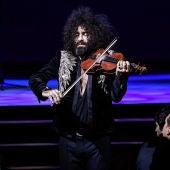 El violinista Ara Malikian durante un concierto.